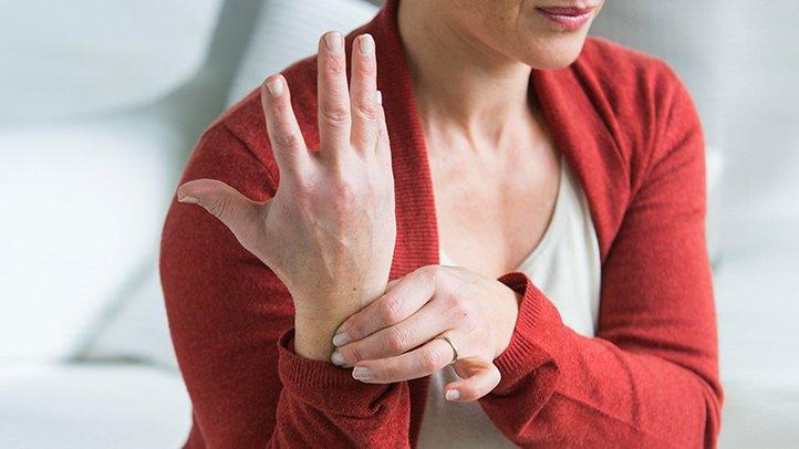 a kéz összes ízülete fájdalmat okoz